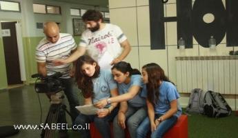 مركز الشَّبيبة (מרכז נעורים) - كسرى سميع ينتهي من تصوير فيلم ضمن المشروع القُطري סרטים מהחיים