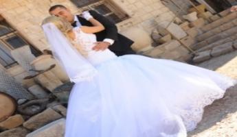 الليلة ليلتنا: أغنية خاصَّة للفنّان ابن المغار نمر أبو زيدان يُهديها لعروسه يوم زفافهما