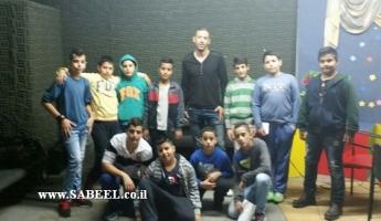 """مدرسة المغار الإبتدائية """" د"""" تستضيف اللاعب والمدرب أحمد سبع لاعب فربق إتحاد ابناء مجد الكروم"""