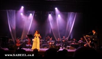 """نجاح كبير لأمسية """"الارز والزيتون"""" للفنانة سيدر زيتون  في حيفا"""