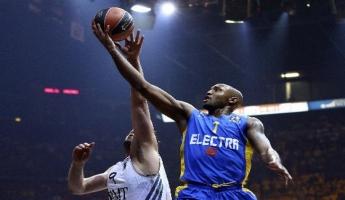 فريق مكابي تل ابيب بكرة السلة يفوز ببطولة أوروبا