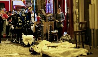 150 قتيلا وإحتجاز 100 رهينة في سلسلة عمليات إطلاق نار وتفجيرات في وسط العاصمة الفرنسية باريس