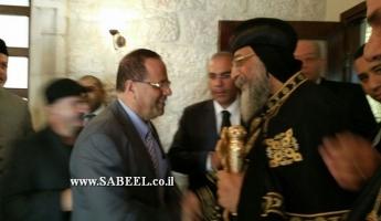 قرا يلتقي البابا تيادوروس قبل جنازه البطريارك ابراهيم في القدس