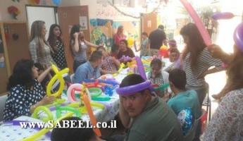 """مشروع """"عيد ميلاد الملائكة"""" من قِبَل مركز الشَّبيبة – نعوريم يحتفل بالمجموعة الثّانية من طُلّاب مدرسة التّعليم الخاص برعاية مركز مَعَسيه ومُنظّمة جوينت إسرائيل"""