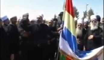 السّويداء تشهد اليوم تشييع جثمان شيخ الكرامة الشّهيد أبو فهد وحيد البلعوس و18 آخرين من شهداء التّفجيرين اللّذين وقعا في السّويداء قبل يومين