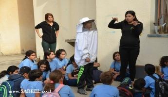 جمعيّة حماية الطّبيعة في يوم قمّة ضمن مشروع التّربية البيئيّة في مدرسة الرّامة الابتدائيّة والمدرسة تختتم فعاليّات الزّيت والزّيتون في إطار اليوم