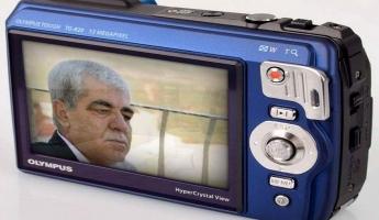 قصائد غزلية يلقيها الشاعر كمال ابراهيم عبر راديو صدى الجبل من الامارات العربية المتحدة
