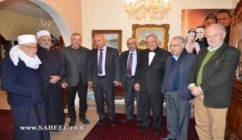 وفد فلسطيني يزور النائب اكرم حسون ويطالبه بإحياء عملية السلام!