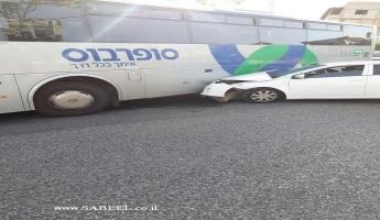 المغار : اصطدام سيارة خصوصية تقودها سيدة من المغار وباص يسفر عن اصابة السيدة التي كانت برفقة اطفالها