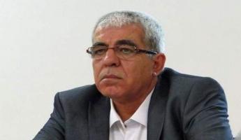 الشاعر الإعلامي كمال ابراهيم يعرض رأيه فكرا وشعرا في نقاش دار في راديو صدى الجبل تحت عنوان ( خيانة الصديق لصديقه )