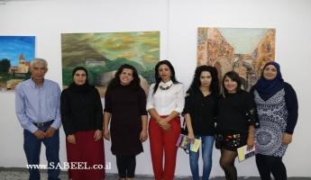 الناصرة تستضيف معرض حكايات يوثق معالم المدينة بريشة فنانين من مرسم محمود بدارنة