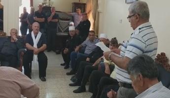 الشاعر الإعلامي كمال ابراهيم يقدم التعازي في حرفيش لوالد المرحوم كميل شنان ويلقي كلمة