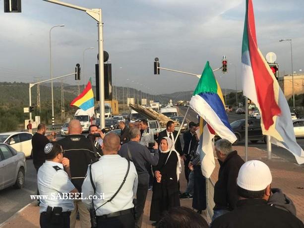 مستمرون في النضال ضد قانون القومية ومستمرون في التظاهر على المفارق
