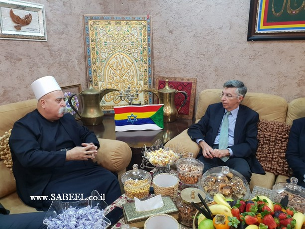 السفير الاسباني يزور فضيلة الشيخ موفق طريف الرئيس الروحي للطائفة الدرزية