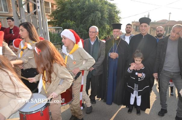 مسيرة حاشدة احتفالًا بقرب حلول عيد الميلاد المجيد تجوب الحي الجنوبي في المغار