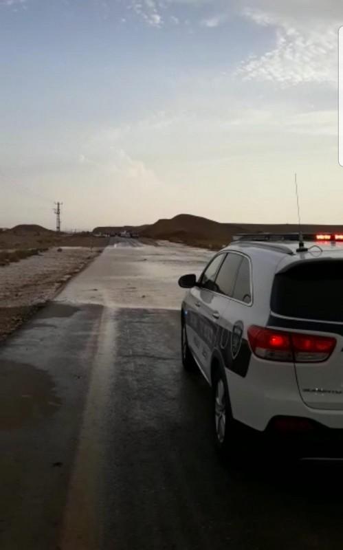 احوال جوية عاصفة وتوقع حدوث سيول وفيضانات خاصة في منطقة الجنوب والشرطة تحذر