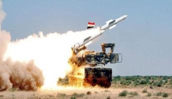 وكالة سانا السورية للأنباء : دفاعاتنا الجوية تتصدى لعدوان صاروخي على أحد المطارات العسكرية في المنطقة الوسطى