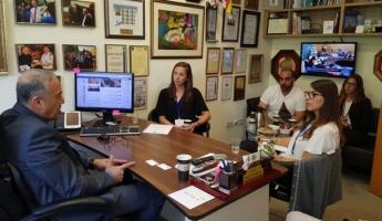 أعضاء السفارة البريطانية في زيارة للنائب اكرم حسون!