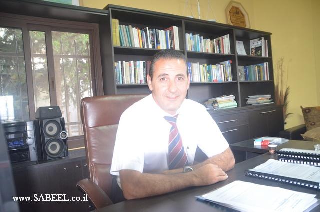 المحامي سامر علي يمزق على الهواء وفي بث مباشر أسماء المرشحين الدروز على مقعد الأقليات في حزب الليكود