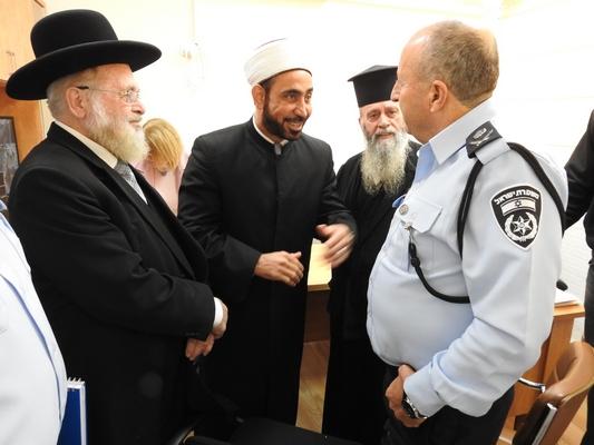 لقاء حوار وعمل في إطار مشروع للشرطة والشباب من أجل المجتمع ميلاة  حول موضوع العنف في المجتمع العربي