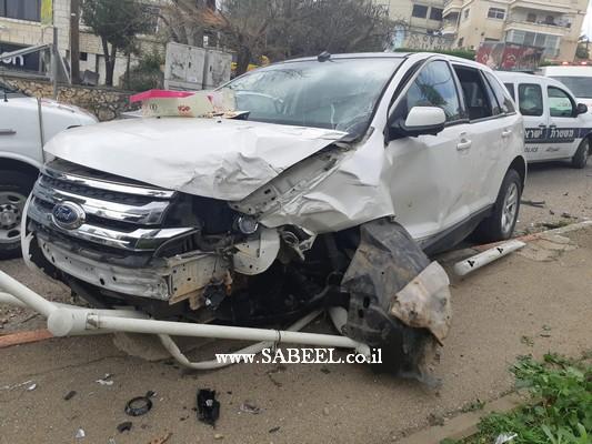 المغار: 4 إصابات خفيفة جرّاء تصادُم سيّارتين وسط البلدة بالقُرب من الدّوّار المركزي