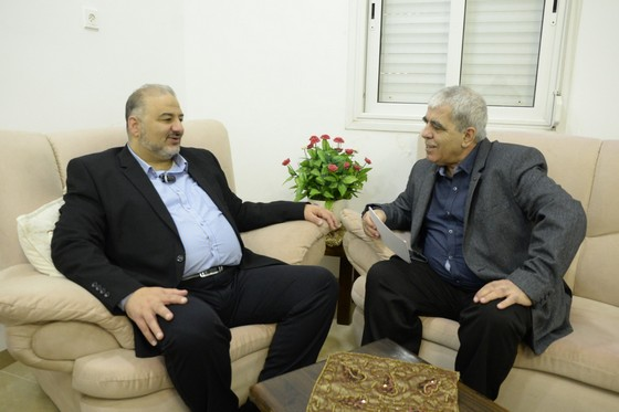 الدكتور منصور عباس ، رئيس تحالف ( الموحَّدة والتجمُّع...