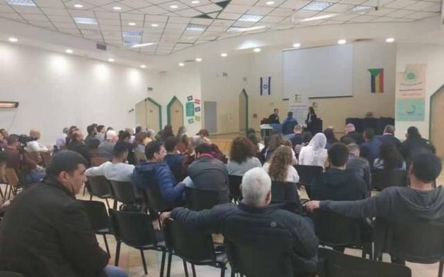بالفيديو :غدير مريح حزب كاحول لافان لن يعمل على الغاء قانون القومية وتثير غضب الحضور